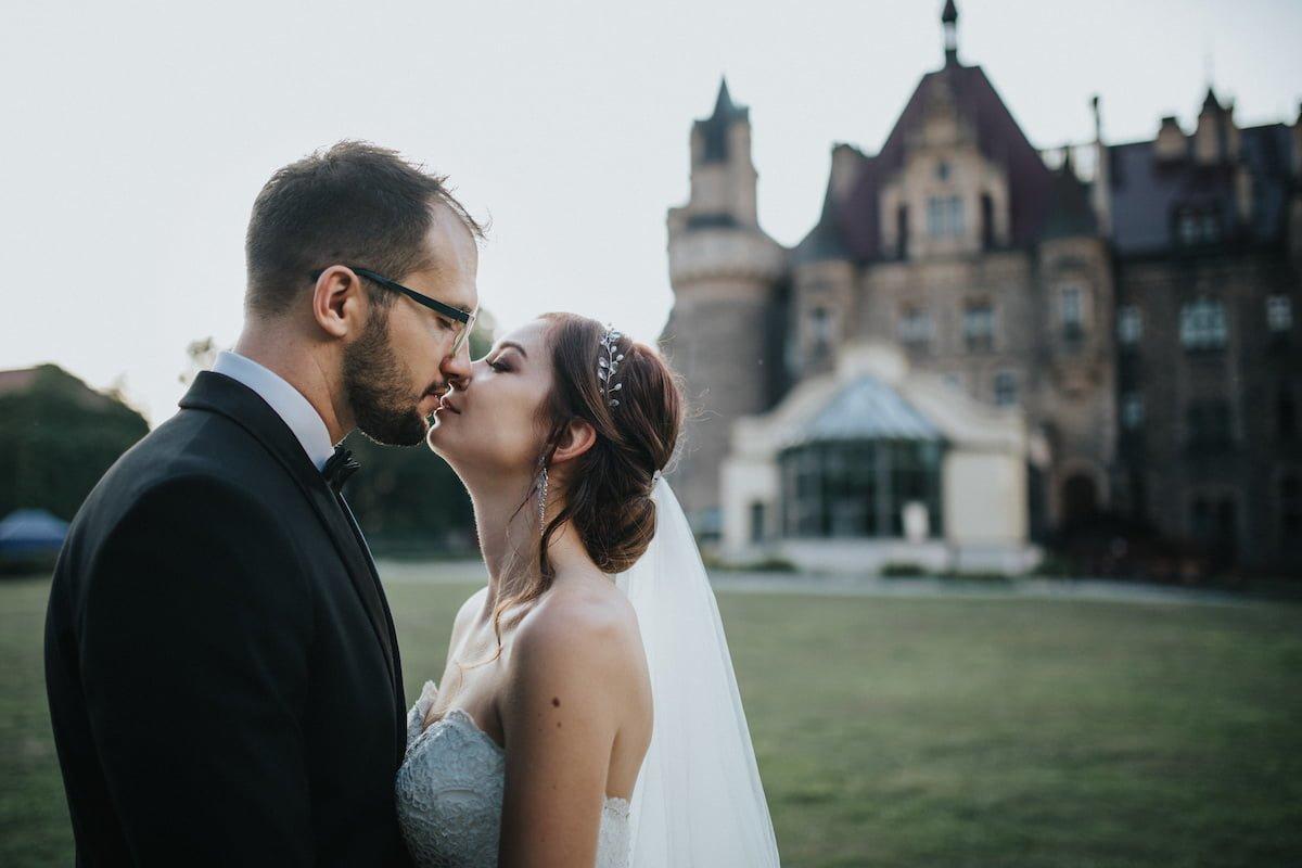 Plener ślubny na zamku w Mosznej